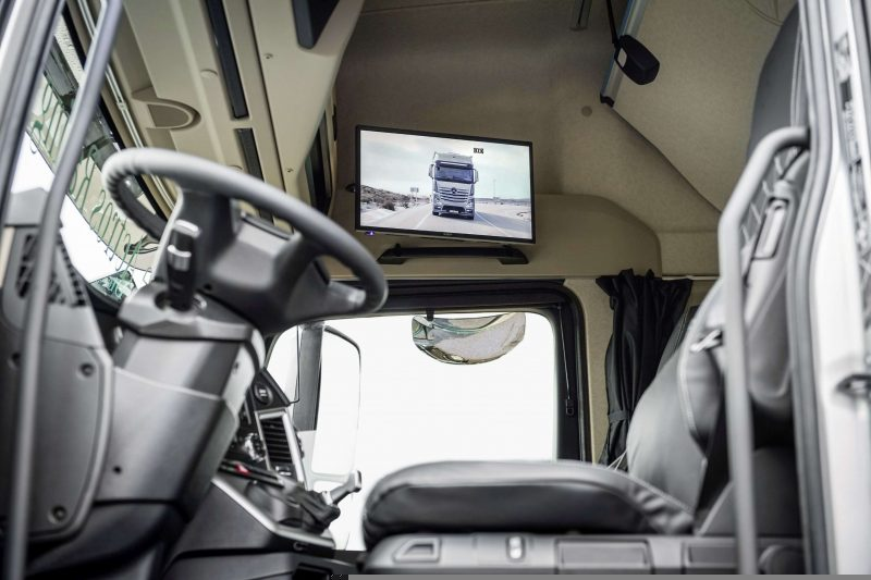Mercedes-Benz Actros interior